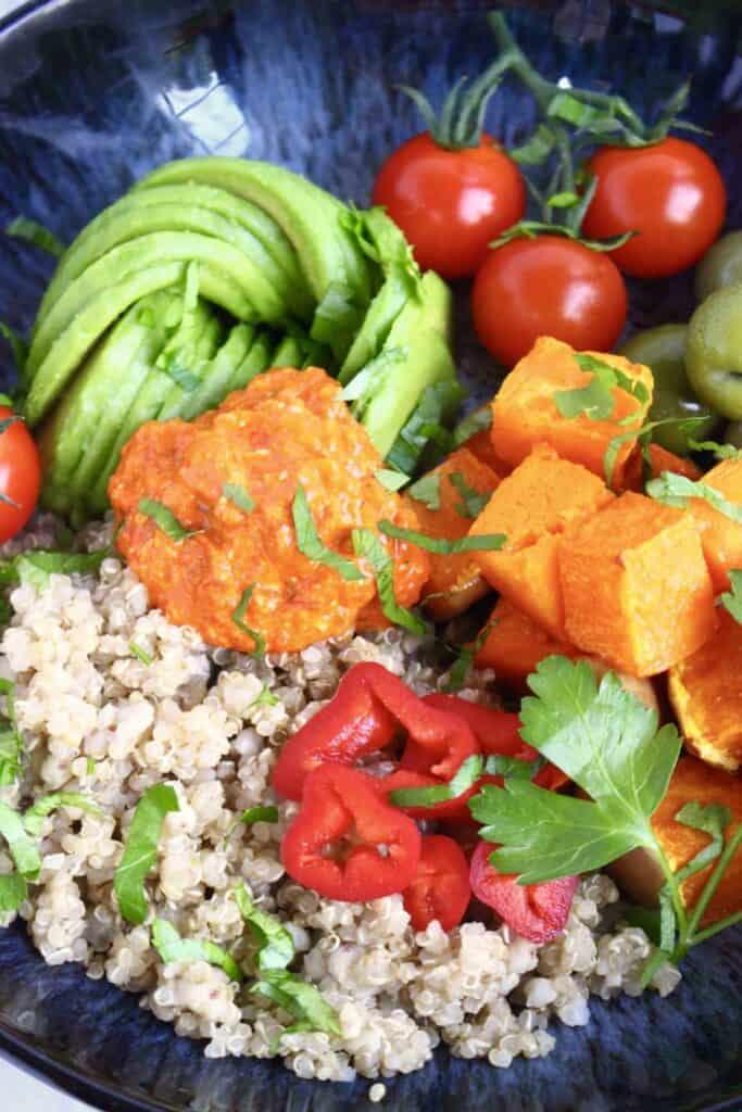 Butternut Squash Quinoa Bowl with Roasted Red Pepper Sauce (Vegan + GF)