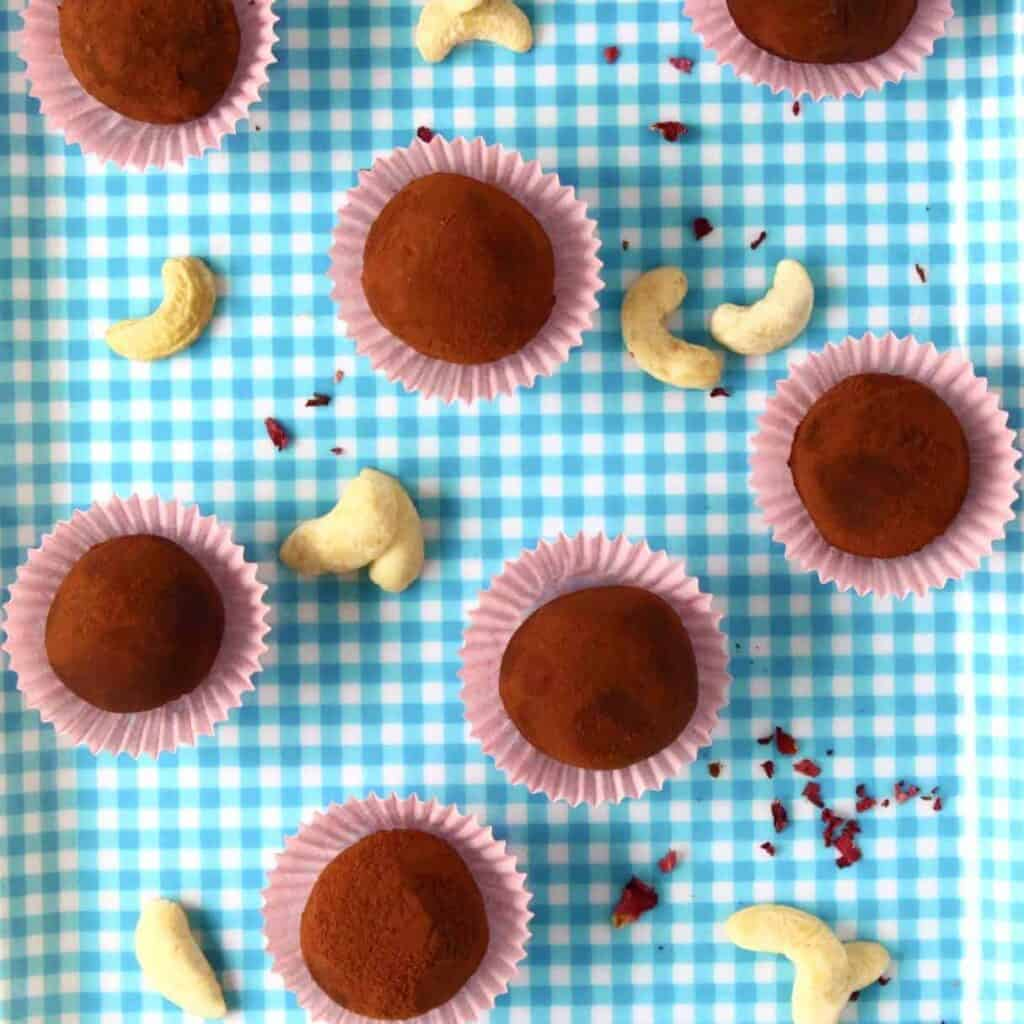 Vegan Cashew Chocolate Truffles