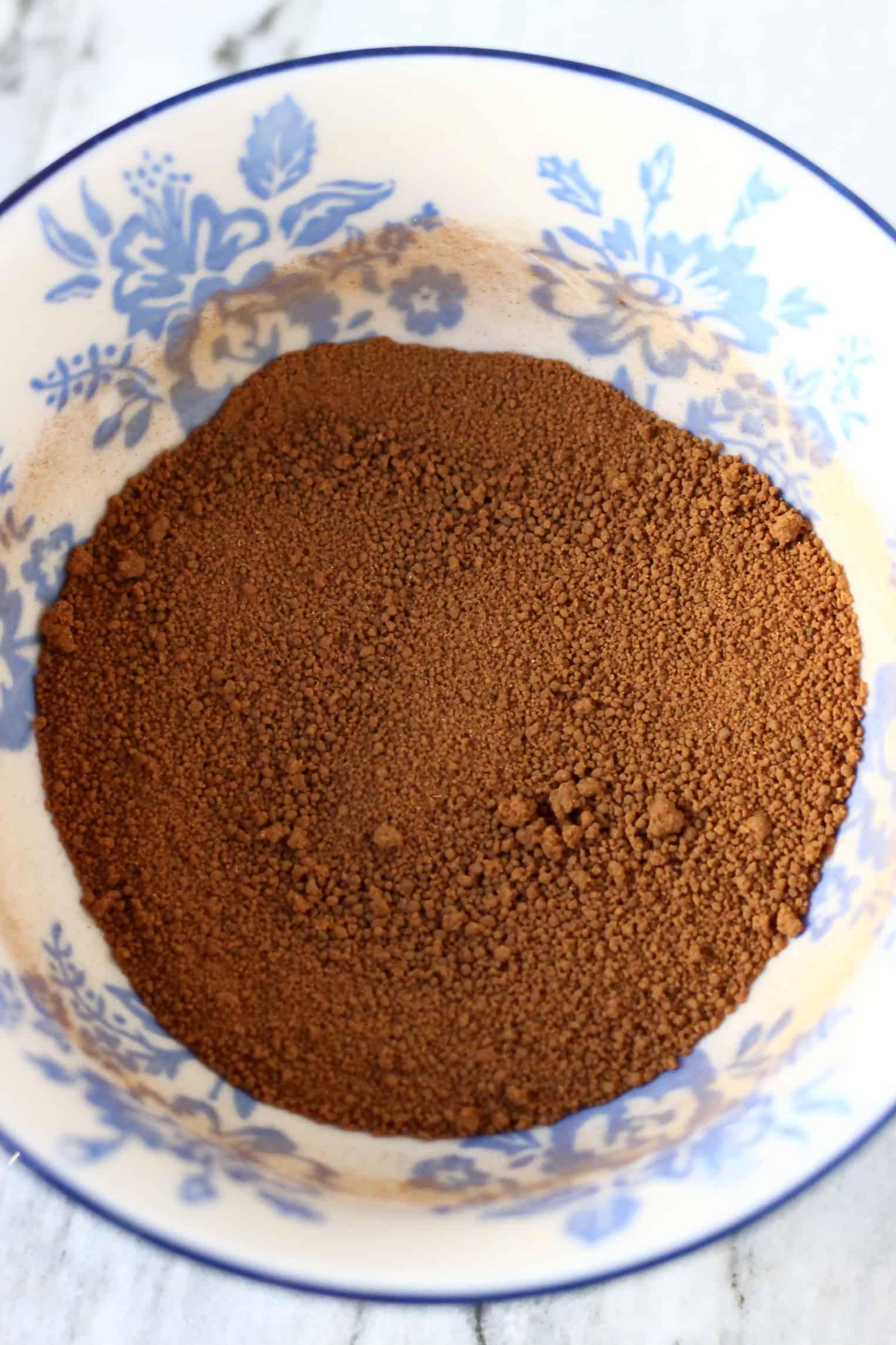 Cinnamon and coconut sugar in a bowl